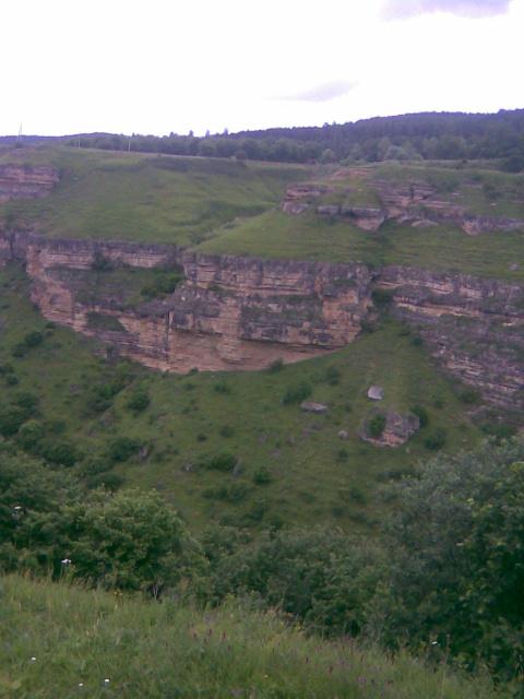 Скалодром в ущелье реки Берёзовка.