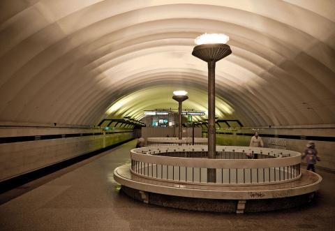 В метро Санкт-Петербурга наш…