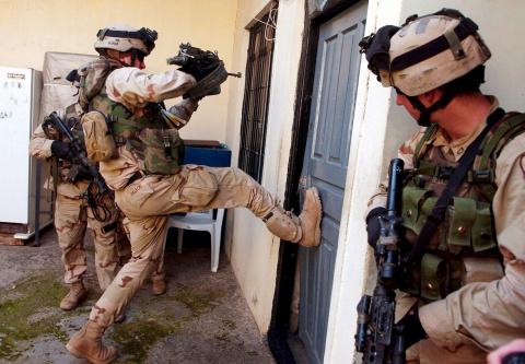 Эстонских солдат переселят в…