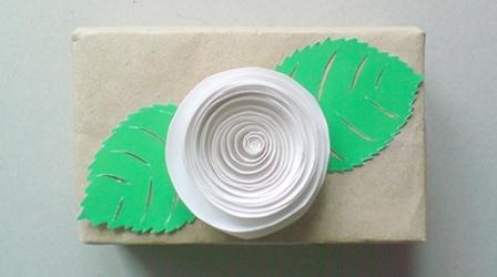 Простой бумажный цветок