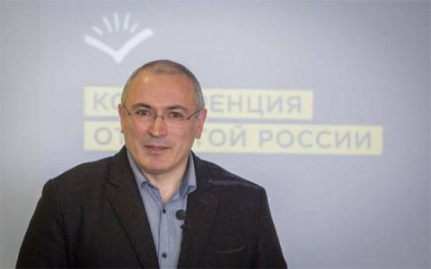 """Как внесистемная оппозиция к выборам готовится? - """"Путин - это жертва"""""""