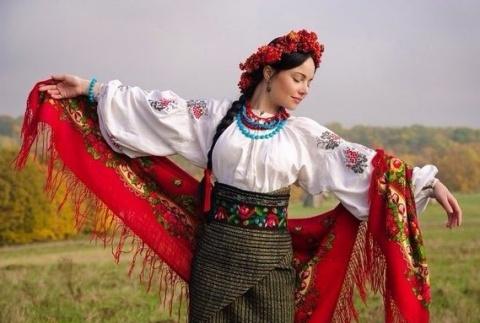 Я -  гражданка Украины, живу…