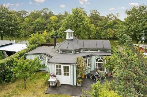 «Восьмиугольный» садовый дом…