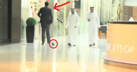 Что произойдет, если уронить кошелек в Дубае. Реакция прохожих сразила наповал…