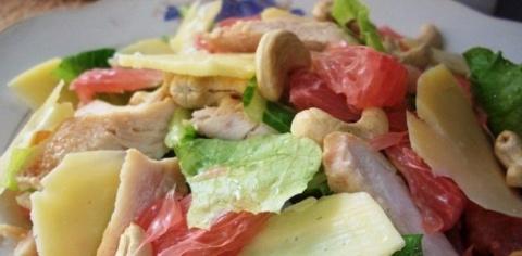 Салат из куриной грудки и по…