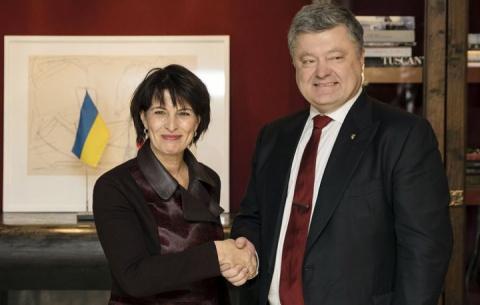Между тем: Порошенко пообещал украинцам безвизовый режим со Швейцарией