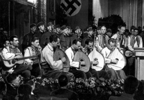 Вместо празднования Дня Победы Украина скоро будет рыдать по Гитлеру