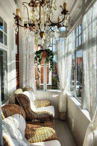Маленький балкон как лучшее место для отдыха