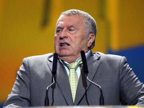 Жириновский решил засудить Б…