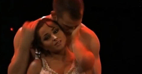 Танец, который будоражит кровь даже тем, кто плевать хотел на эту вашу любовь.