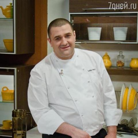 Ведущий телешоу «Спросите повара» Юрий Рожков скончался в возрасте 45 лет