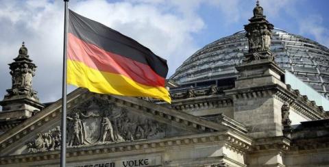 Министр Германии срочно едет…