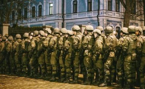 Украину ждет военный переворот?