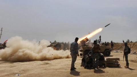 Освобождение Хомса: появились кадры, как позиции боевиков обстреляли из РСЗО