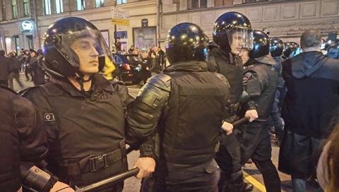 Росгвардия опровергла сообщения о разгоне участников митинга в Петербурге