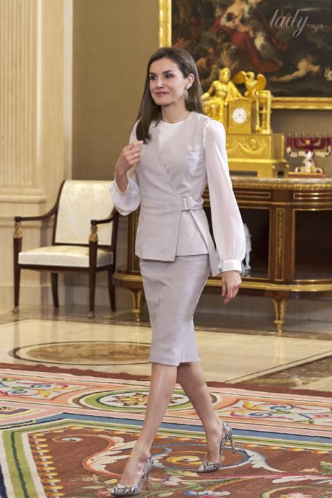 С чем носить лодочки: 30 примеров из королевских гардеробов