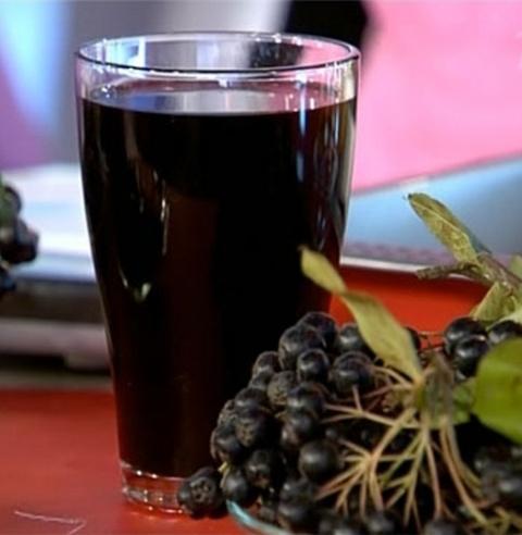 Сироп из черноплодной рябины - напиток богов! Как сделать простое и красивое украшение для торта.
