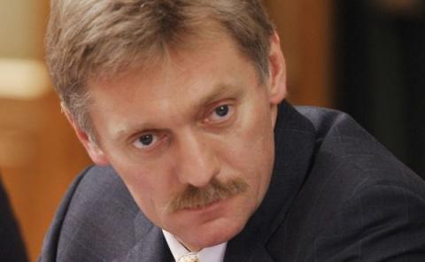 США пытаются окончательно испортить отношения с Россией: Песков о санкциях