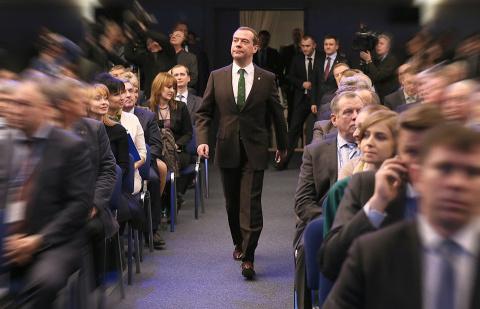 Блогеры вынесли Медведеву «м…
