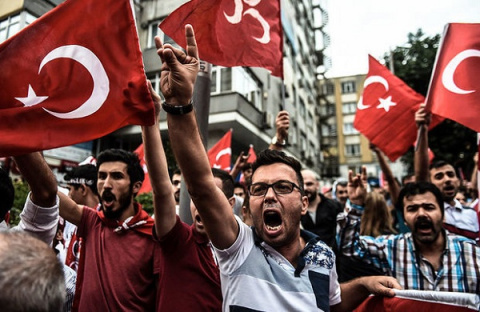 Турция объявила режим ЧП. По…