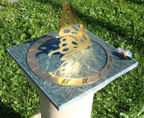 солнечные часы Бабочка