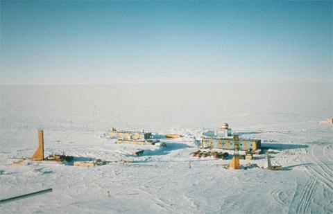 Подо льдом Антарктиды вторично обнаружили неизвестную науке бактерию