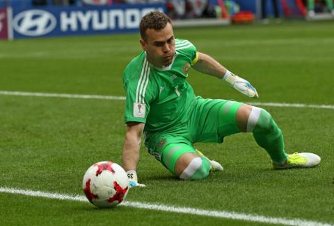 Акинфеев проиграл в футбол, но уже после игры победил как человек