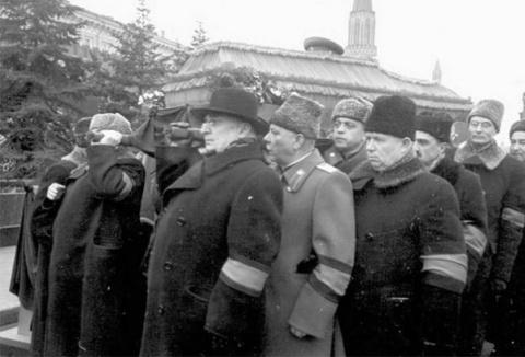 Кто и за что убил Сталина и Берию