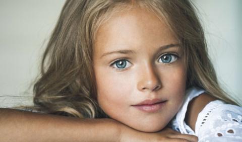 Этой девочке всего 10 лет, н…