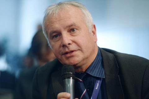 Немецкий политолог: Меркель в Киеве должна требовать от Порошенко автономии для Донбасса