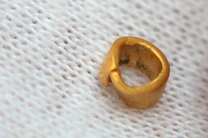 Найдено древнейшее в мире золотое украшение