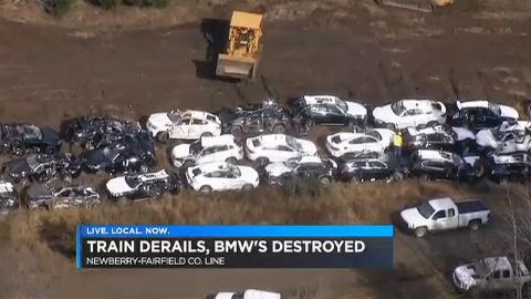 Поезд со 120 кроссоверами BMW сошел с рельс