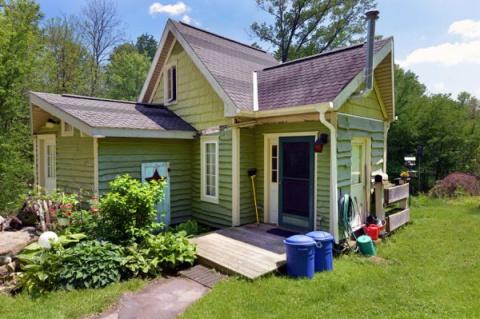 Супруги, женатые 29 лет, своими руками построили этот дом мечты площадью 83 кв. м.
