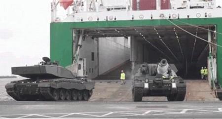 НАТО перебрасывает к границе…