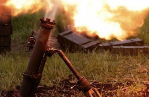 ДНР: из-за ночного обстрела ВСУ в Донецке и Ясиноватой зафиксировано множество разрушений