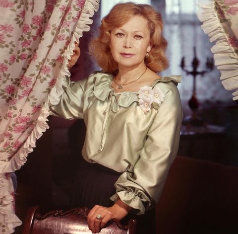 Судьбы любимых актрис: как сложилась жизнь Светланы Немоляевой