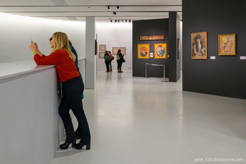 Картинки с выставки: параллели