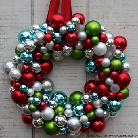Рождественские венки и снеговик. Вязаная игольница и улитка с настоящей раковиной