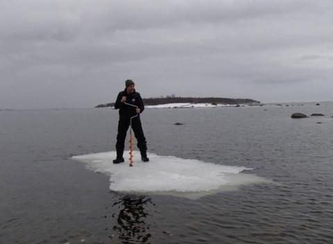 О зимней рыбалке с юмором