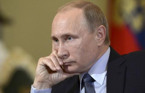 Путин спасает замерзающих украинцев в Геническе