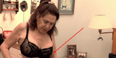 Уже 35 лет она носит корсет …