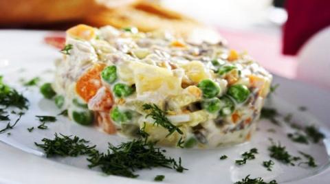 Постный салат «Оливье»