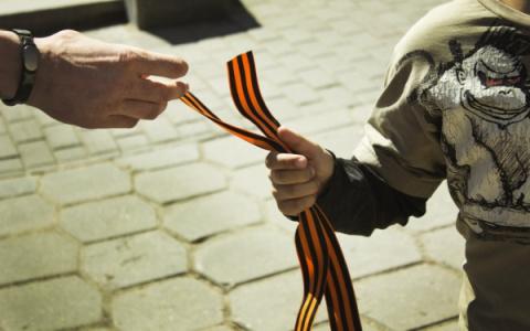 В Литве георгиевские ленты сравнили с нацистской свастикой