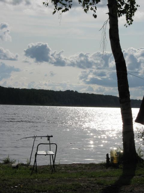 Рыбалка на озере Волго.