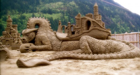 Фигуры из песка!
