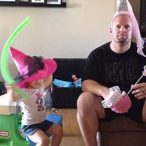 10 смешных фото пап, у которых есть дочки