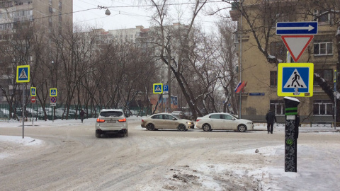 На перекресток-ловушку пожаловались столичные автомобилисты