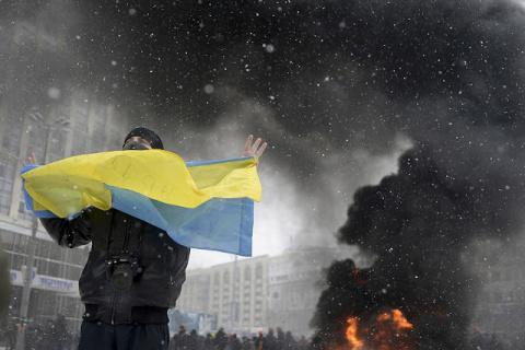МОЛНИЯ: протестующие прорвал…
