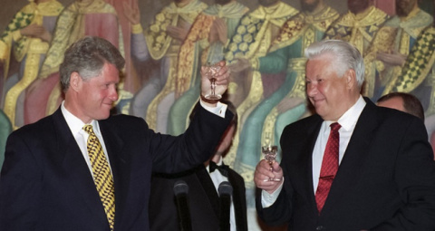 Когда и почему россияне разлюбили Америку?