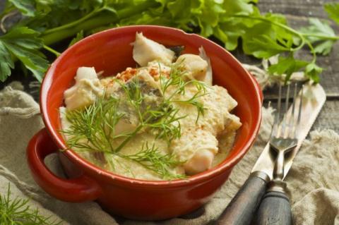 Минтай в соусе по-польски - вкусное диетическое блюдо для экономных хозяек